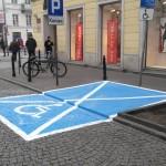 Parkingi dla niepełnosprawnych szpecą zabytkowe ulice? Konserwator zainterweniuje