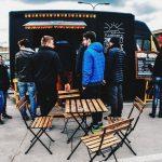 Zlot foodtrucków pod CH Marki. Fast foody, kuchnia polska, grecka, meksykańska i… tybetańska!