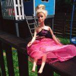Twoja córka zgubiła lalkę? Znaleziono Barbie z inicjałami właścicielki