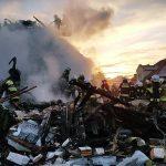 """Wybuch w Łomiankach: na miejscu 60 strażaków. """"Trwają poszukiwania osoby, która najprawdopodobniej była w budynku"""""""